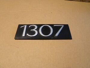 Sigle-insigne-logo-plastique-SIMCA-1307-monogramme