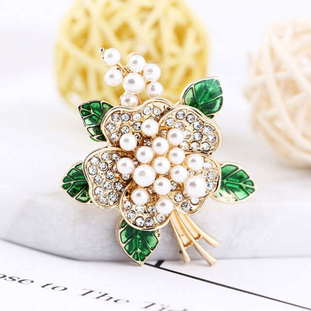 Cute Rhinestone Flower Women Shape Metal Brooch Lapel Pin Fashion Jewelry Gift
