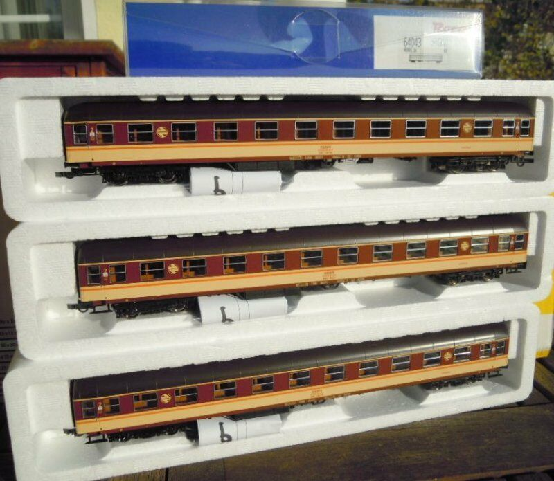 Roco 64043, 3 3 3 - teiliges - liegwagen kit, rafestrela lackierung der Renfe EP.4   5, Nueva Orleans 8c2