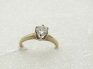 Vintage-10kt-Aquamarine-Engagement-Ring-Clear-to-Pale-Blue-Size-7-25-50-ctw