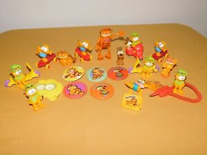 VINTAGE-TOYS-MISC-GARFIELD-ODIE-PLASTIC-TOYS-BUTTONS-ETC-LOT