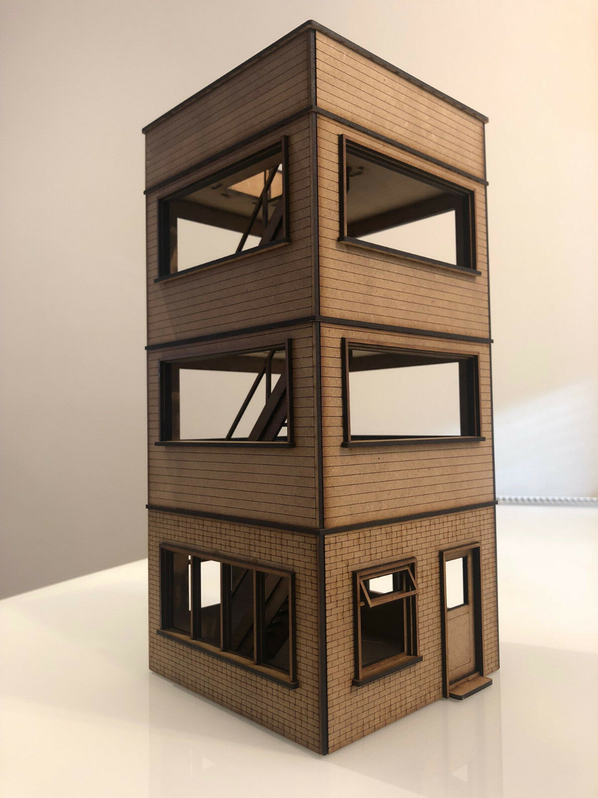 1 32 Media Tower Building for Scalextric, Slot Car Or Magnetic Racing