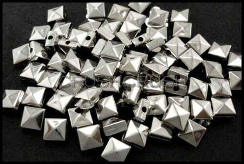 200pcs 7 mm Argent Acrylique Pyramide Carré Perles Métal SPIKE Entretoises Cap Cône F582