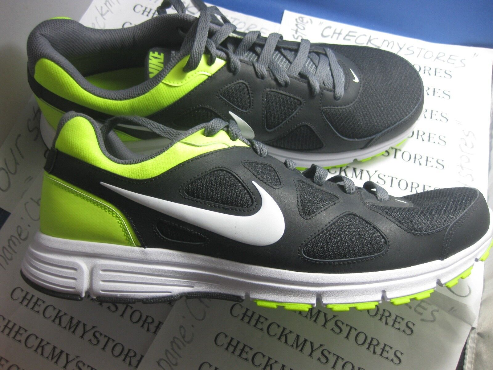 NIB New NIKE  REVOLUTION MEN'S ATHLETIC RUNNING SHOES  NIKE 488183 012 76be56