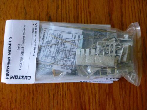 Custom Finishing Models HO #7051 TAMPER MK II Tamper w// Jacks