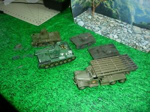 AIRFIX-ESCI-NON-1-35-SCALE-SOVIET-RUSSIAN-ARMOR-LOT-DEAL-BUILT-LOOK