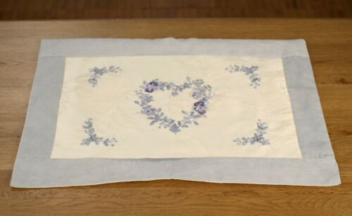 BRAND NEW /'Tramline/' Lace Doily Home Decor White 24cms