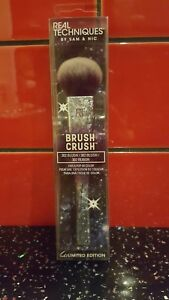 NEW Real Techniques Make Up Brush Crush 2 302Blush Gift For Her