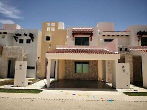 Casa en Venta en Residencial Mar Azul, Cd del Carmen, Campeche. 3 Recamaras.