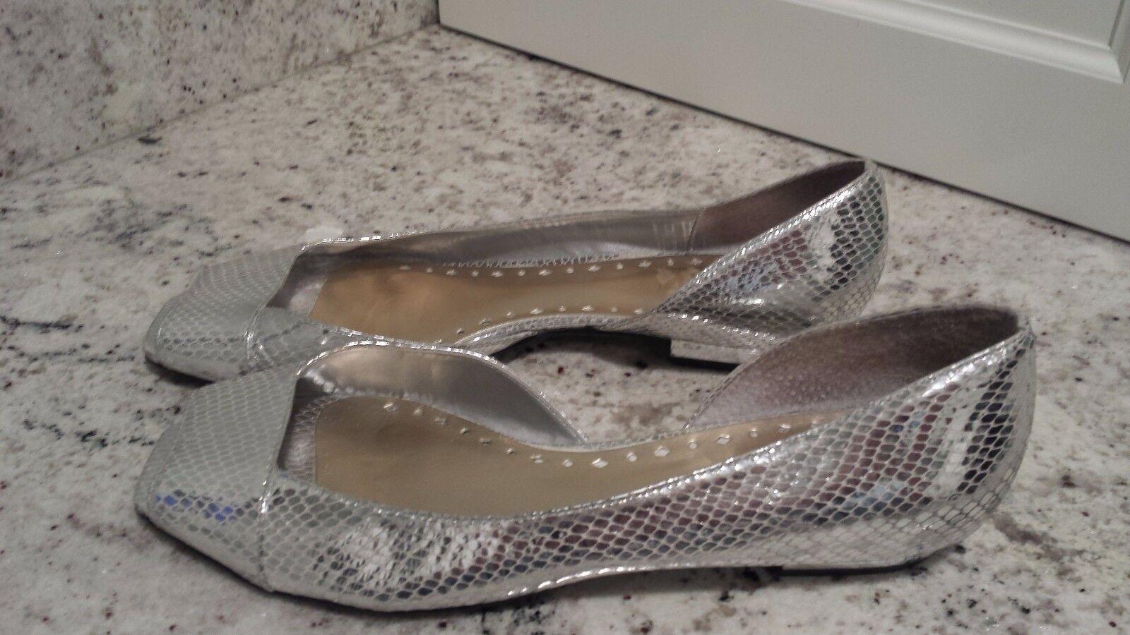 BCBG on, Generation silver flat, open toe, slip on, BCBG snakeskin, leather, brazil, 7.5B 07e176
