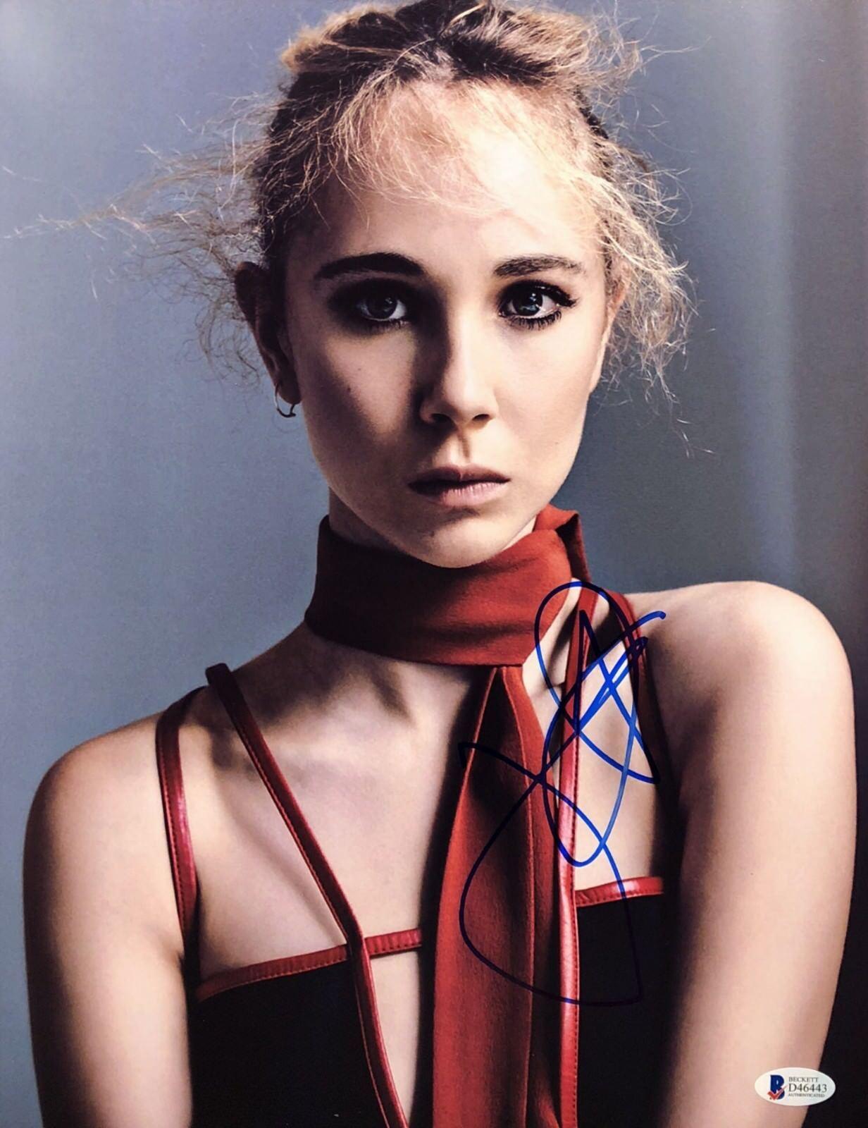 Juno Temple Signed 11x14 Photo *Model *Actress BAS Beckett D46443