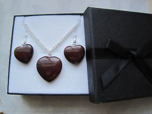 RED-JASPER-HEART-Gemstone-Pendant-Necklace-amp-Earrings-Set-in-Gift-Box-Healing