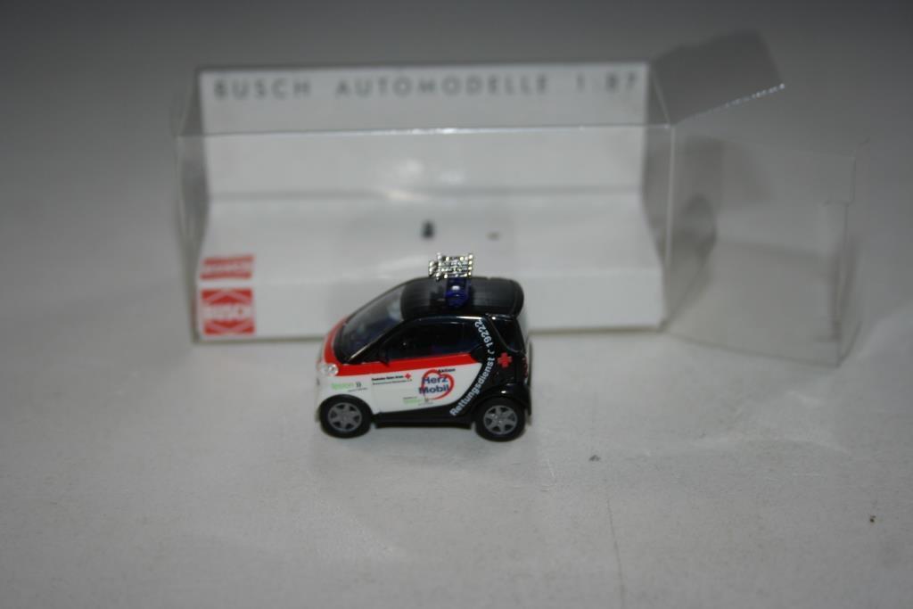 1//87 H0 Neu Busch 48924 Smart City Coupé Herz Mobil DRK Einsatzfahrzeug OVP