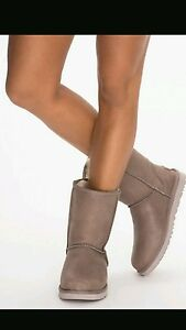 UGG-Boots-Classic-Short-Leather