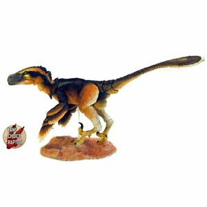 Beasts of the Mesozoic Acheroraptor Temertyoru Deluxe 1:6 Scale Raptor Figurine