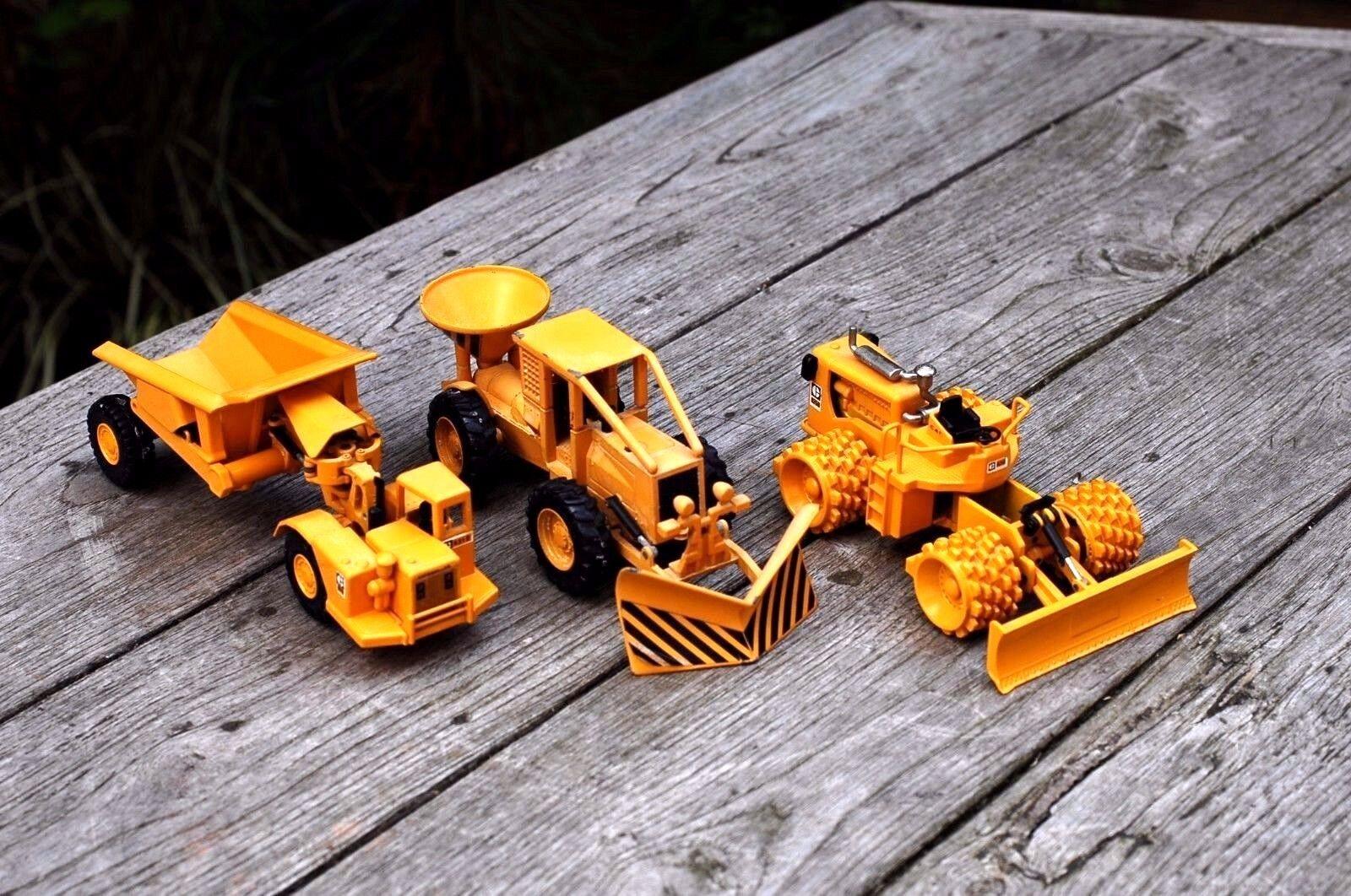 3 x giocattoli DIE CAST MODEL, Design di costruzione, Joal compatto, realizzato in Spagna