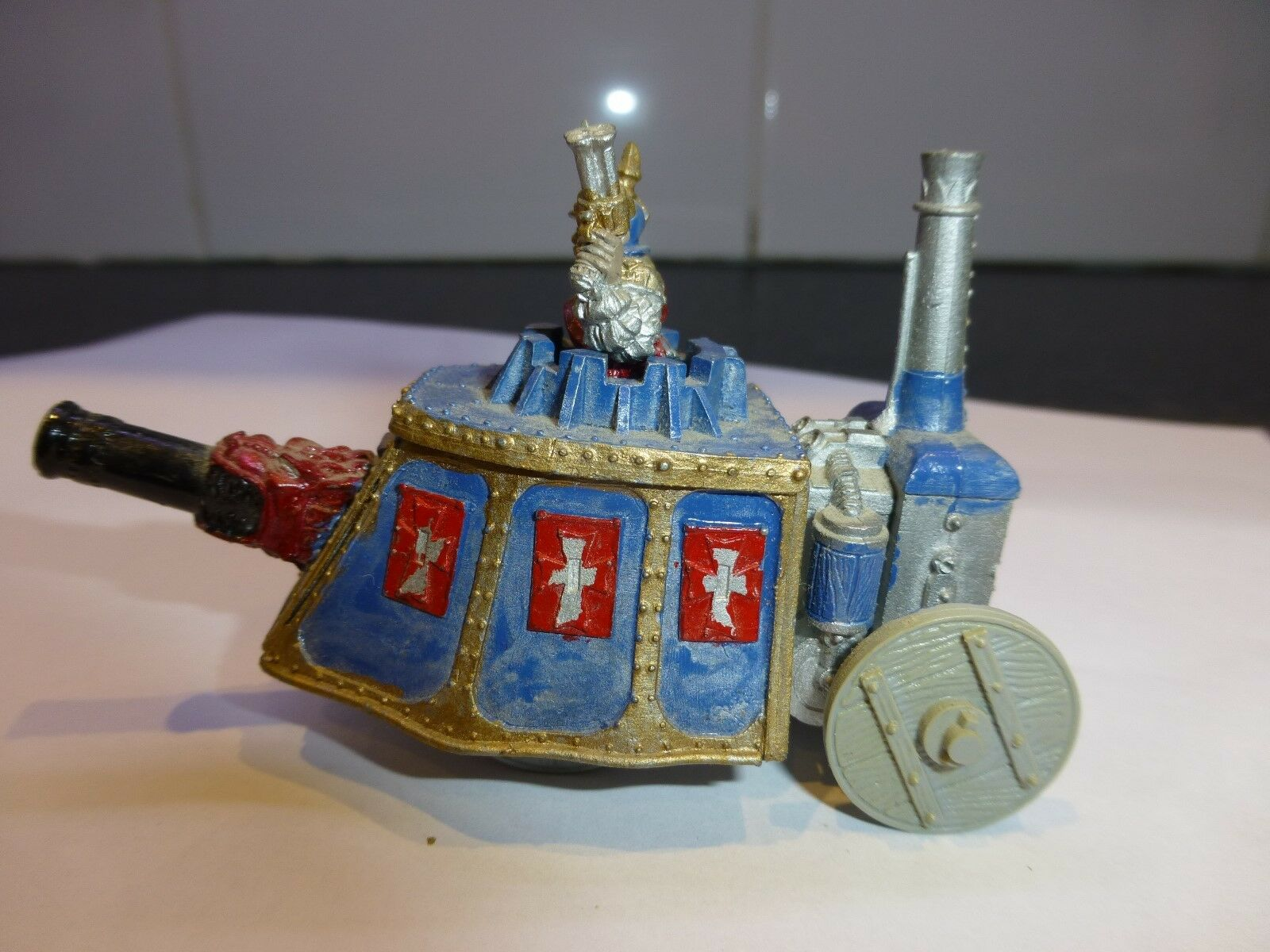 WARHAMMER  IMPERIAL STEAM TANK  PAINTED with Original Box