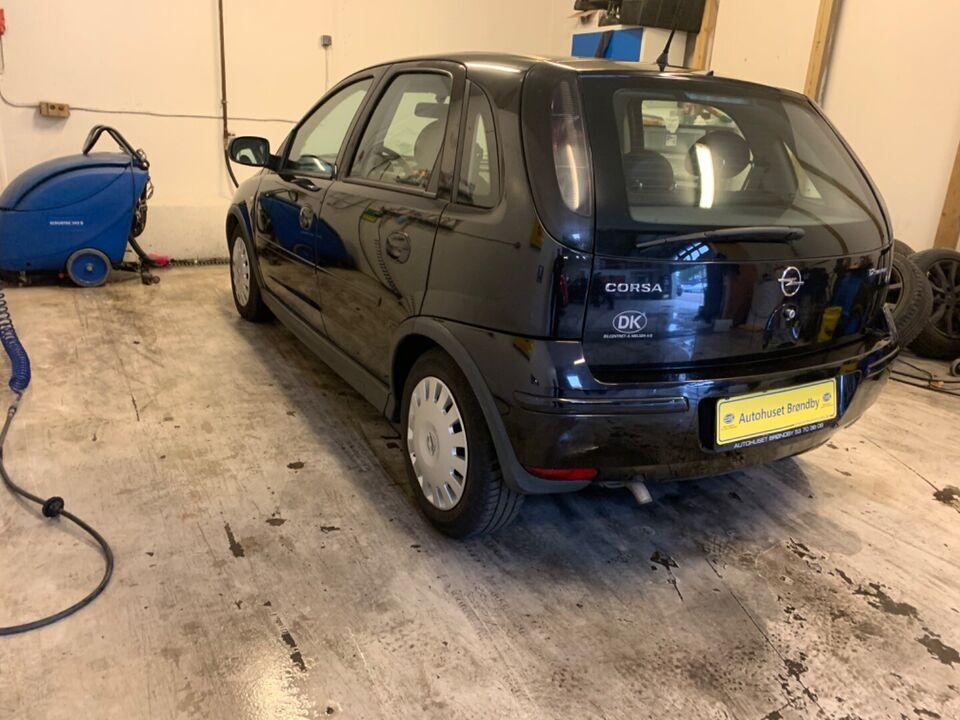 Opel Corsa 1,2 16V Sport Benzin modelår 2007 km 168000