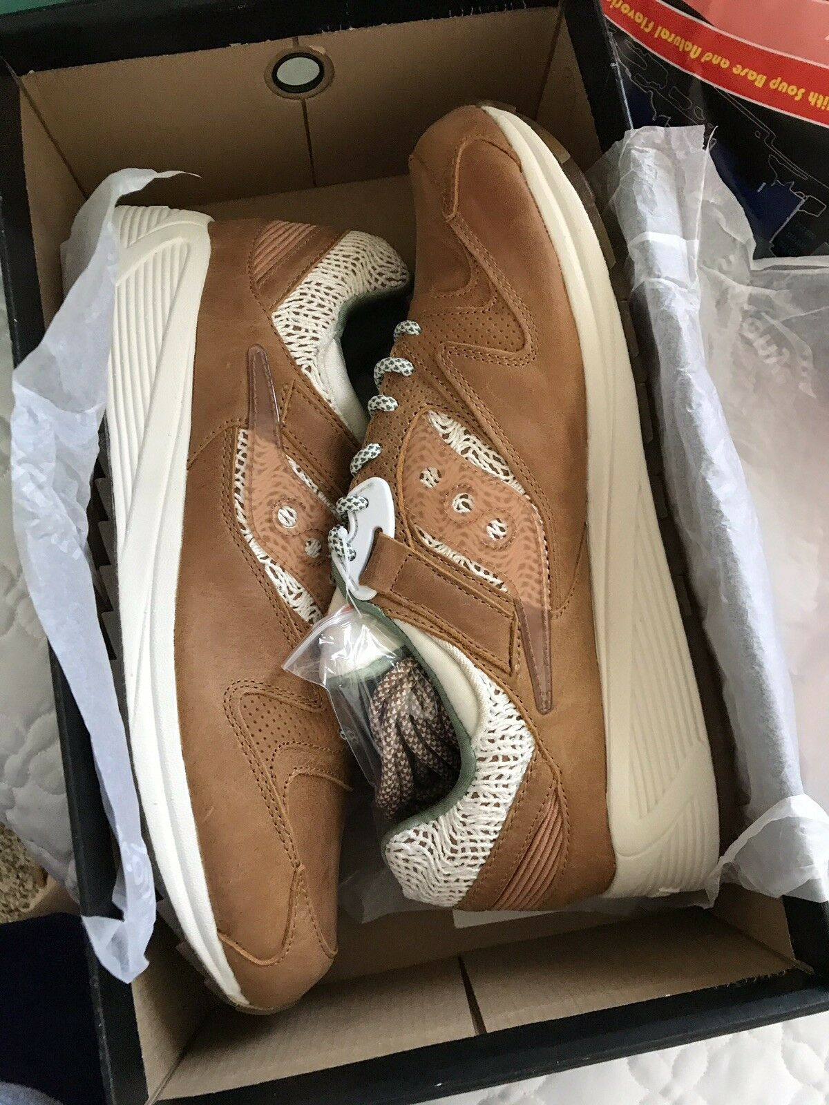 Saucony Mens Ramen 8500 Grid 12 Limited Edition W0131 Brand New DS