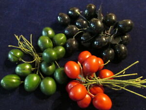 Vtg-Millinery-Flower-Fruit-Collection-1-1-4-034-Berry-3-Bunch-German-Glass-H2968