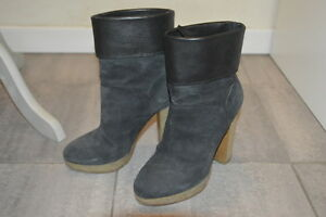 Stivaletti-in-pelle-e-camoscio-MOSCHINO-suede-and-leather-ankle-boots-37