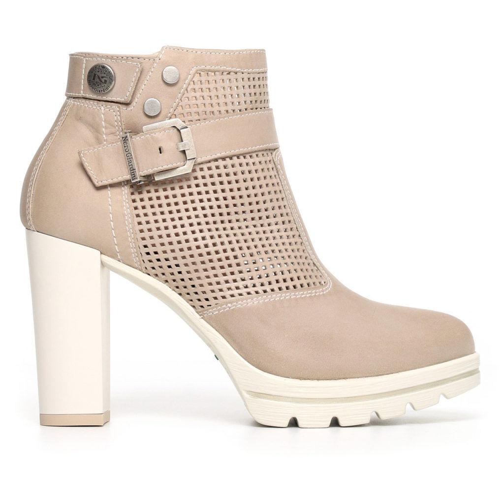 grande sconto Nero Nero Nero Giardini scarpa tronchetto donna art. P805202D col. sabbia  wholesape economico