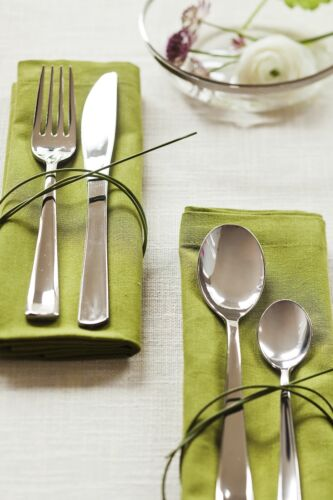 Pack of 10 or 50 Premium Disposable MOZAIK Silver Metallised Plastic Spoons