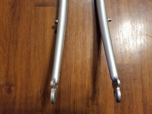 "Rack Mounts 1 1//8/"" 700c Raleigh 4130 Cr-Mo Hybrid Bicycle Fork"