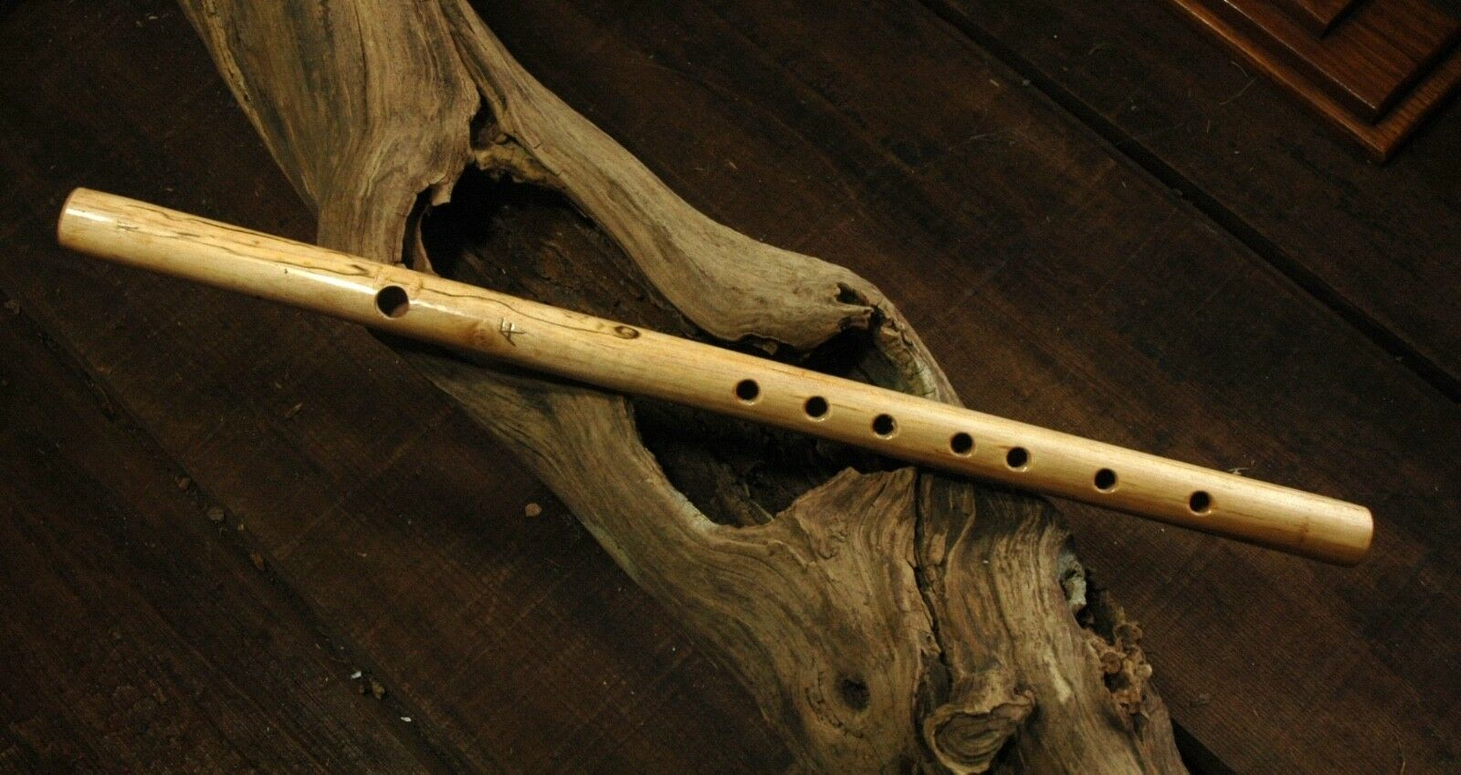 Fife Flute - One-piece -  Maple - Key of D with C Foot - 2 Octaves