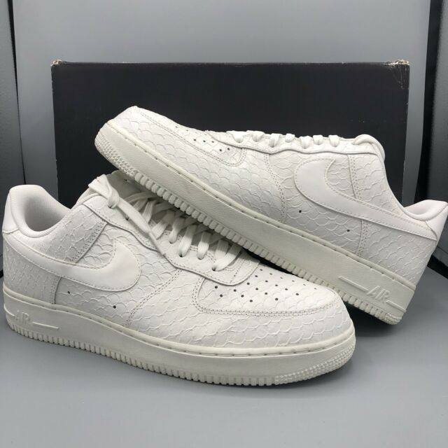 outlet store 620b8 bcd9f Nike Air Force 1  07 LV8 Low White Snakeskin 718152-106 Size 11 Jordan