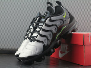 brand new 19359 9f623 Details about NEW NIKE AIR VAPORMAX PLUS 924453-009 BLACK VOLT WHITE EU40-45