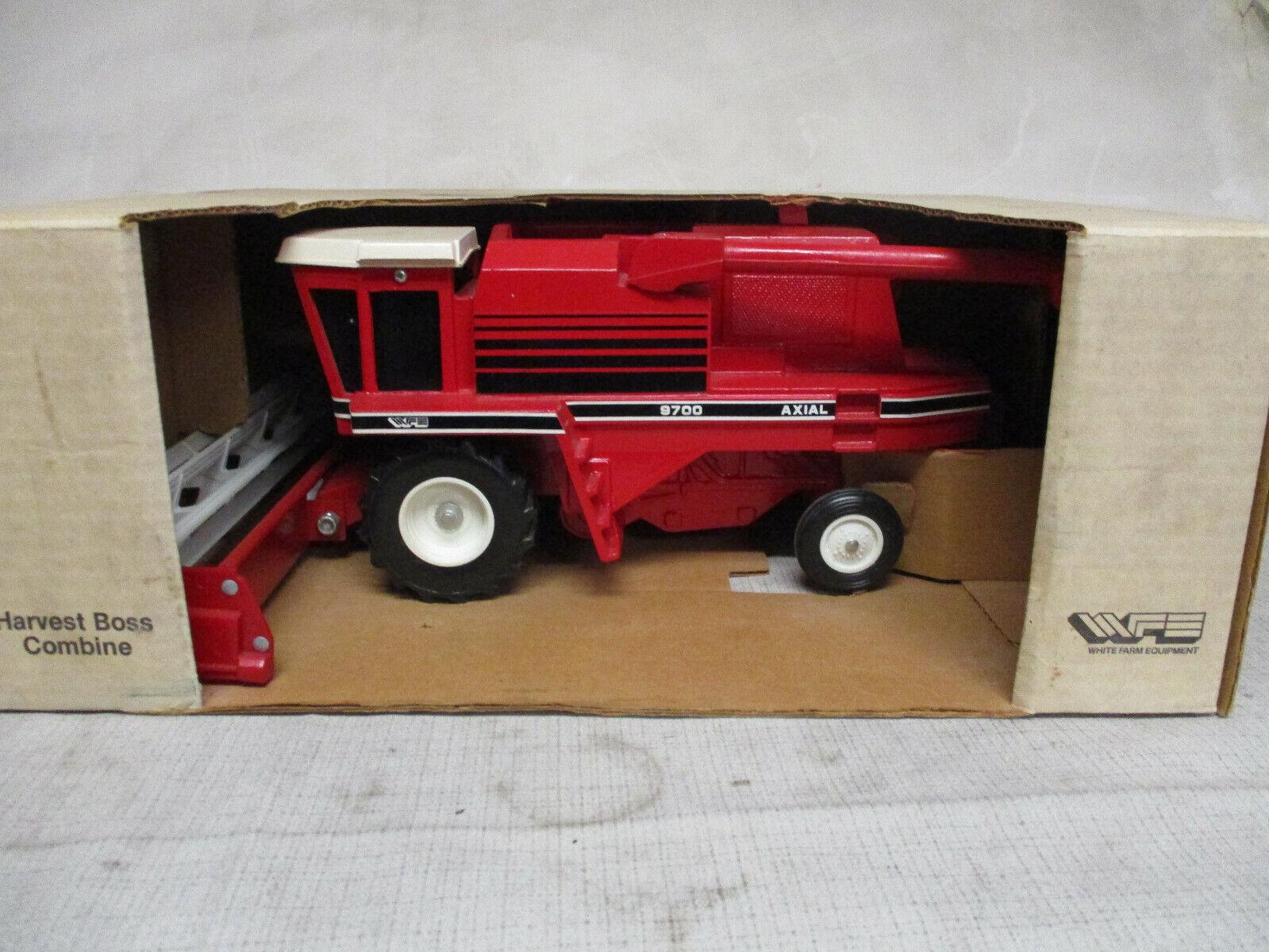 Weiß Farm Equipment Model 9700 Toy Combine with Grain Head, 1 24 Scale, NIB