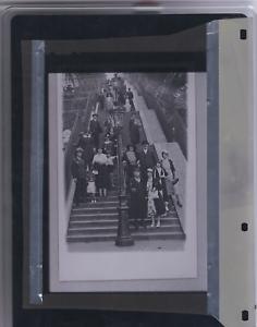 photo-mode-de-Paris-1920-film-negatif-grand-format