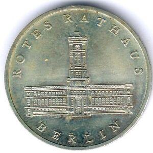 DDR-5-Mark-1987-A-034-Rotes-Rathaus-Berin-034-Jaeger-1614-kl-Kratzer-fast-vz-st