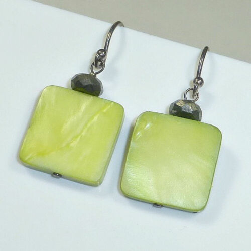 Silpada .925 Sterling Silver Lime Green Mother of Pearl Earrings W1134 RETIRED