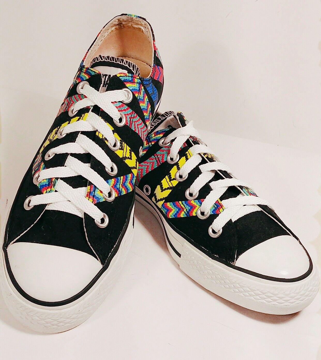 Converse All-Star Black Canvas Multi-colord Friendship Bracelet Lo-Top Size 8M