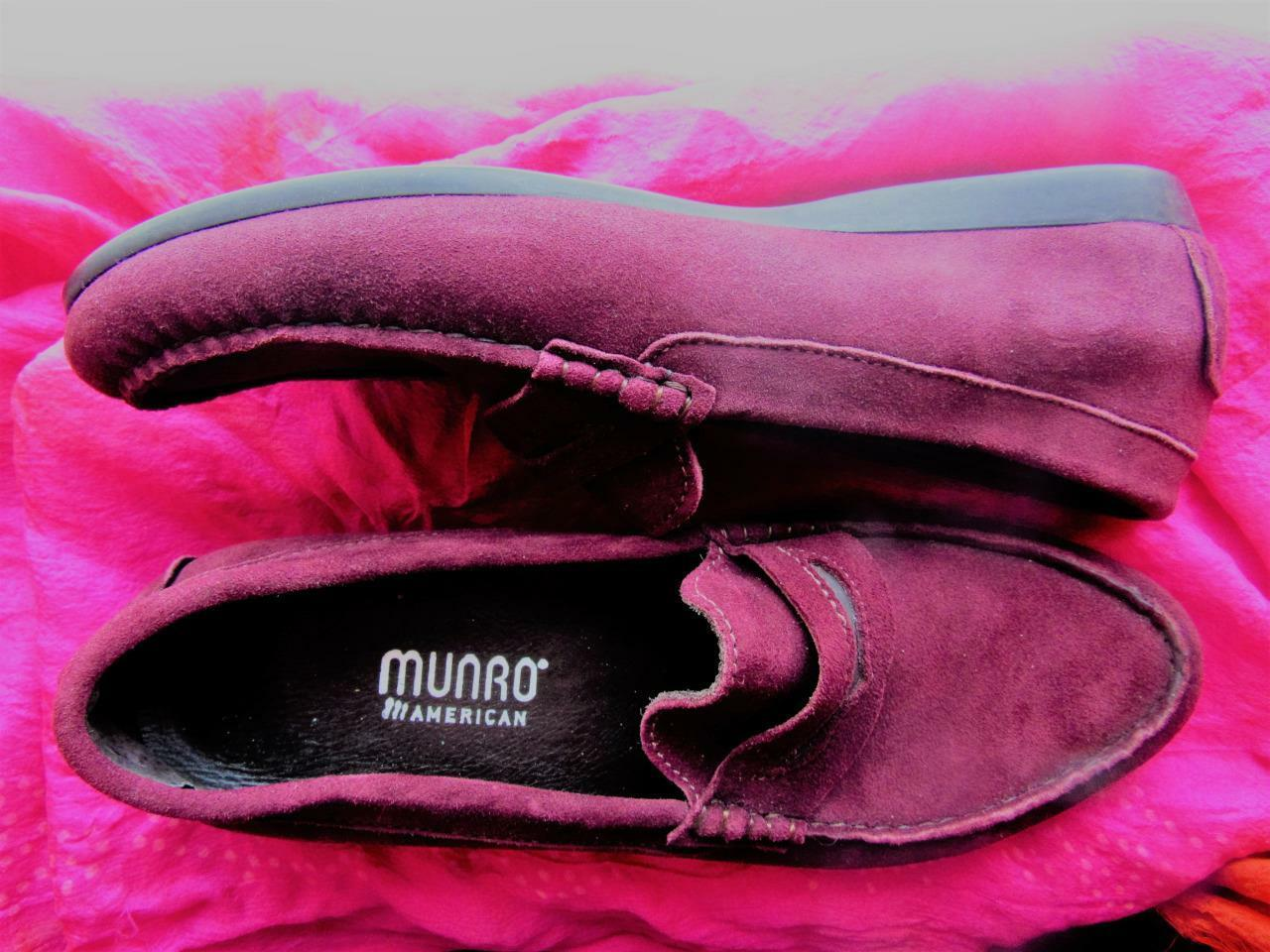 MUNRO SHOES BURGUNDY SUEDE LOAFERS SIZE 9 M/39 MADE IN USA