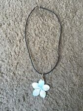 "Nice women's girl's Hawaii Hawaiian pearl/abalone necklace 16"" long flower"