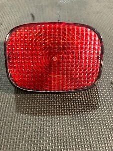 Nice-OEM-Harley-Davidson-Stock-TAILLIGHT-LENS-COVER-ASSEMBLY-Used-6837003