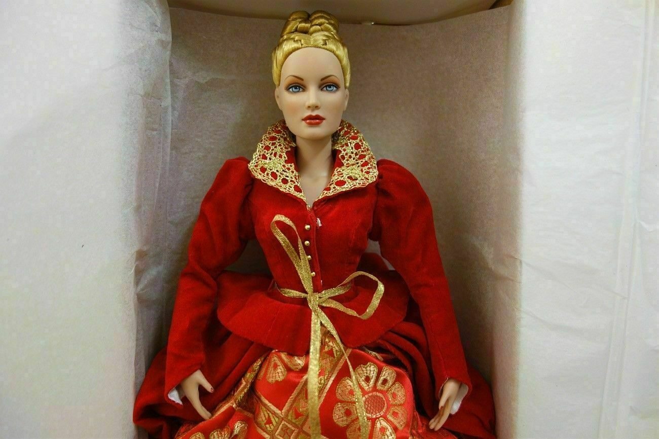 Alice In Wonderland Queen of Hearts Royal Portrait Tonner doll LE 300 exclusive