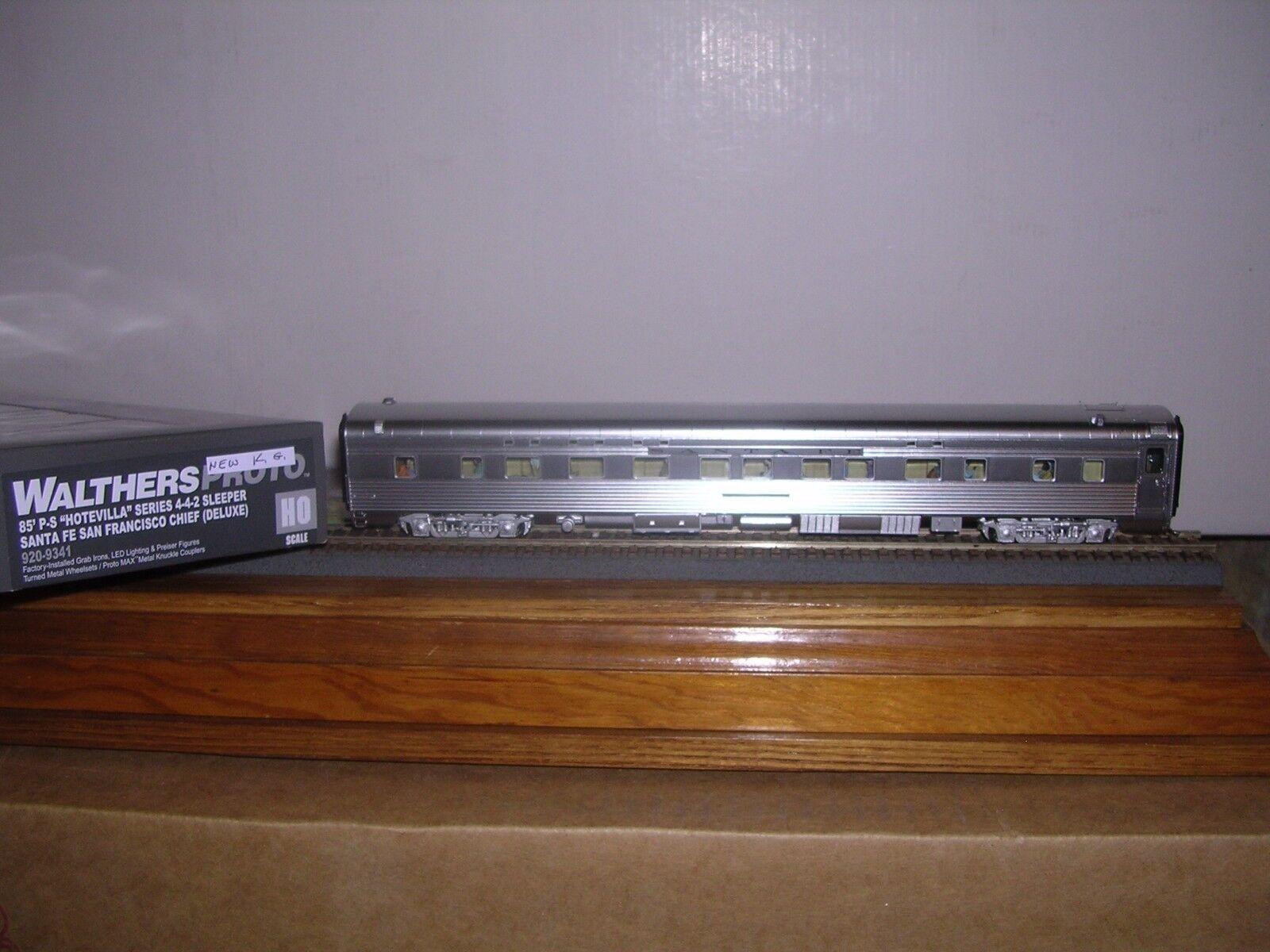 WALTHERS/Proto  920-9341  Santa Fe P.S. Streamlined 85' 4-4-2 Sleeper H.O. 1/87