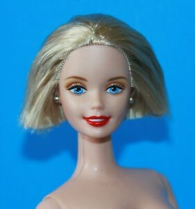 BARBIE-BLONDE-Short-Hair-Nude-Doll-GORGEOUS-Eyes-amp-Make-Up-Twist-at-Waist