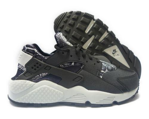 Nike Womens Air Huarache Run Print Shoes- 725076 002 Size 6 NWB