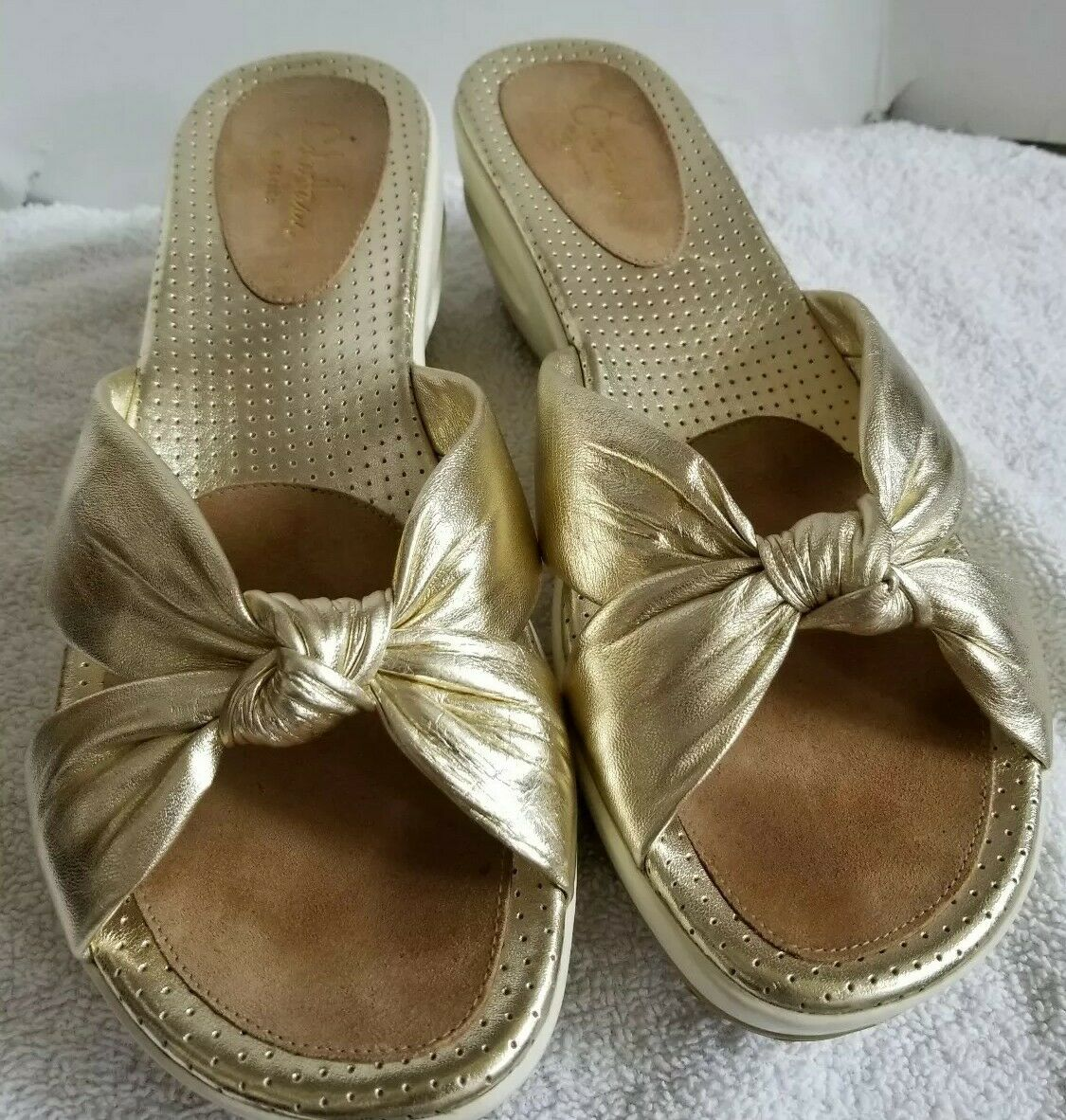 Cole Haan Womens Series  gold   Cream Cross Strap Slide Wedge Sandal Size 9B EUC