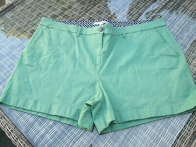 BODEN green   cotton  chino shorts size 20 NEW  WJ043