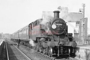 PHOTO  LMS LOCO NO 41206 - Tadley, United Kingdom - PHOTO  LMS LOCO NO 41206 - Tadley, United Kingdom