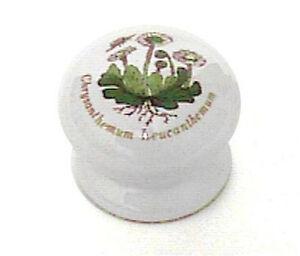 "P95813V-WCL 1 3/8"" White Ceramic w/ Chrysanthemum Drawer Cabinet Knob"