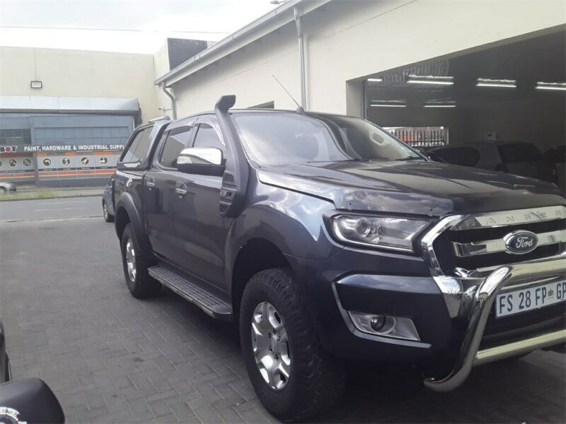 Grey Ford Ranger 3.2 TDCi XLT 4x4 D/Cab AT with 81000km available now!