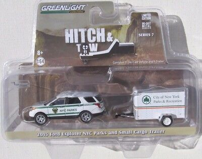 Greenlight  HITCH /& TOW  2015 Ford Explorer  NYC Parks w// small cargo   Trailer