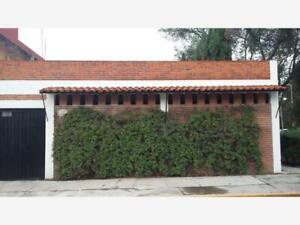 Casa en Venta en Jardines de San Manuel REMATE